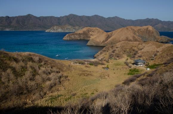 La playa de Isla San José, desolada y desierta esta abierta al público aunque normalmente solo es visitada por los funcionarios que trabajan ahí